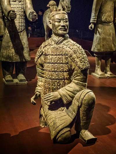 Qin Shi Huangdi, El Primer Emperador De La China Moderna