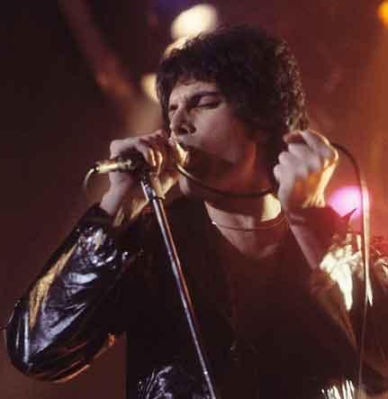 Freddie Mercury. Su Vida: La Música. ( Parte II y final )