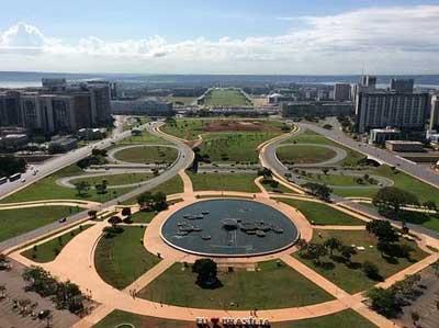 Brasilia, De La Utopía A La Realidad 60 Años Después